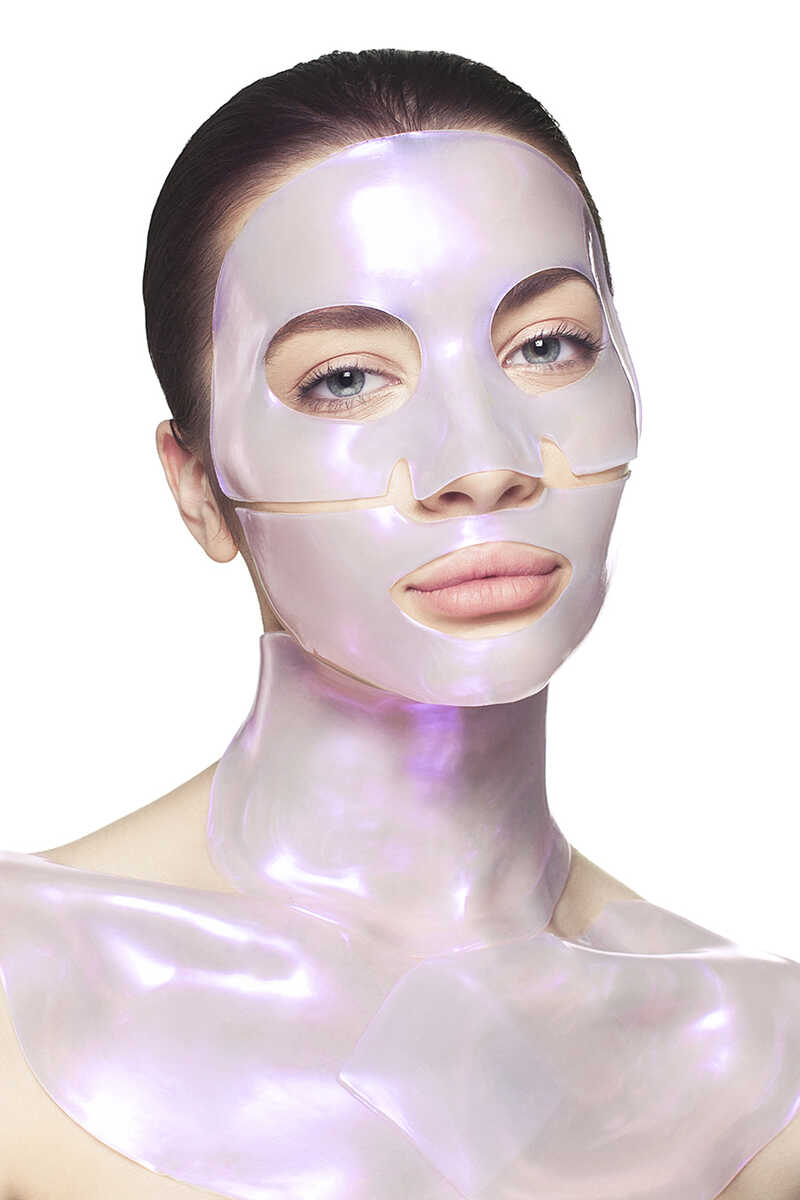 Diamond Radiance Neck & Décolletage Mask (1 Treatment) image number 3