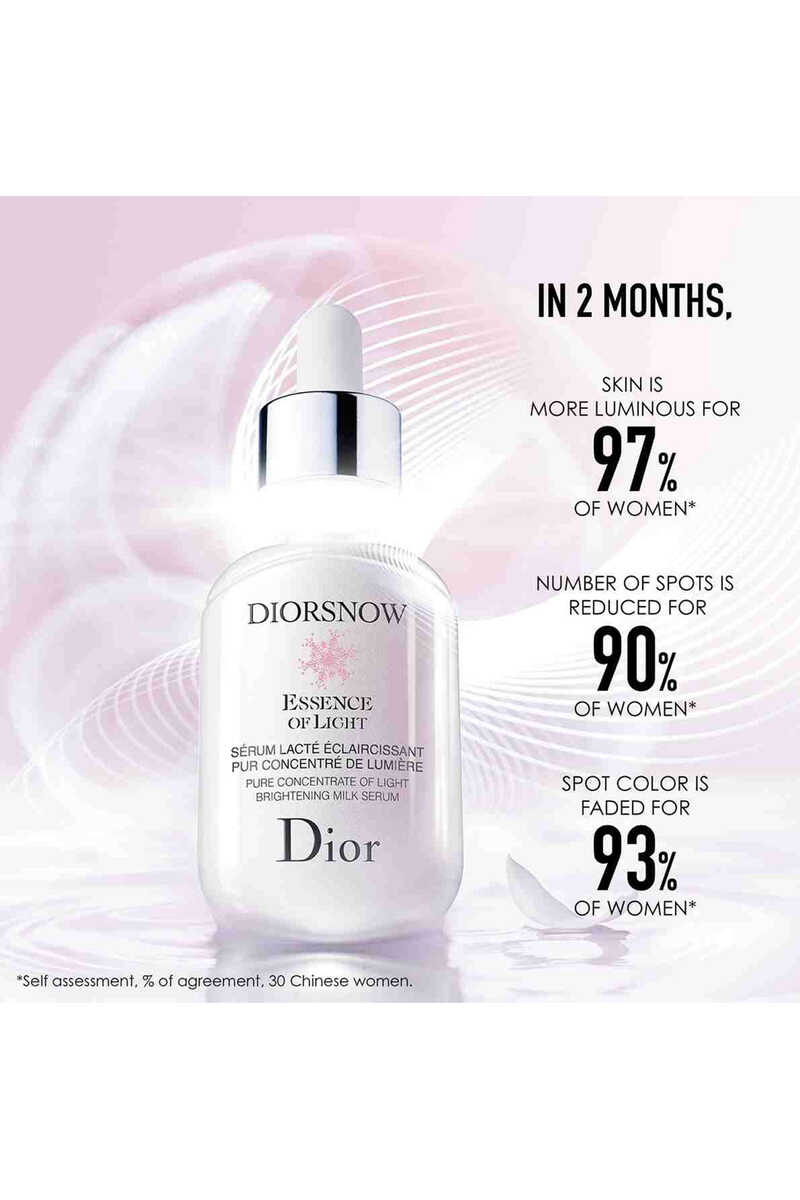 Diorsnow Essence of Light Pure Concentrate of Light Brightening Milk Serum image number 4